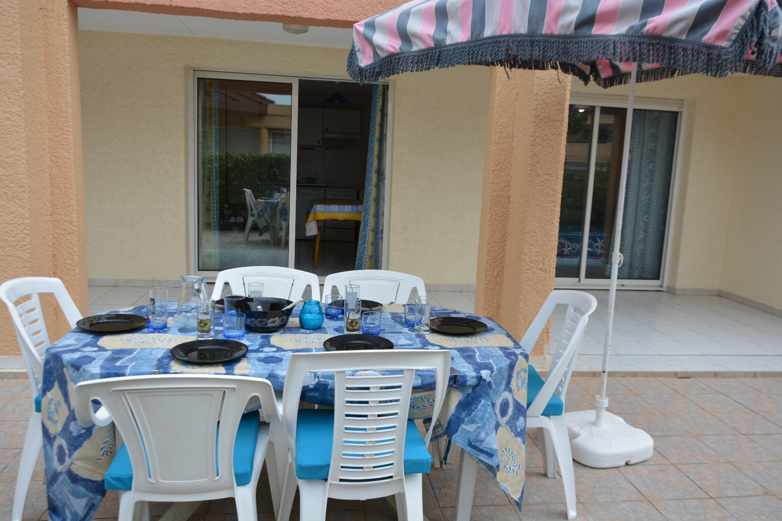 terrasse aces direct a la piscine